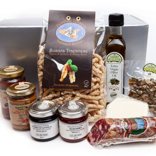 hamper box containing products for a true taste of Sicily
